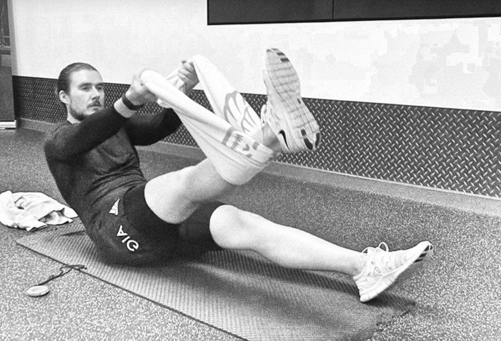 Упражнение для растяжки сухожилий позволяет увеличить рост