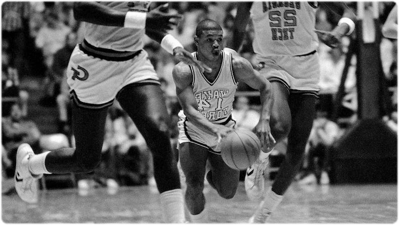У этого баскетболиста самый маленький рост - 160 см.
